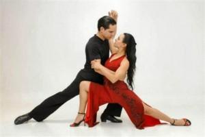 les-maitres-du-tango-argentin-pedro-ochoa-et-natalia-almada